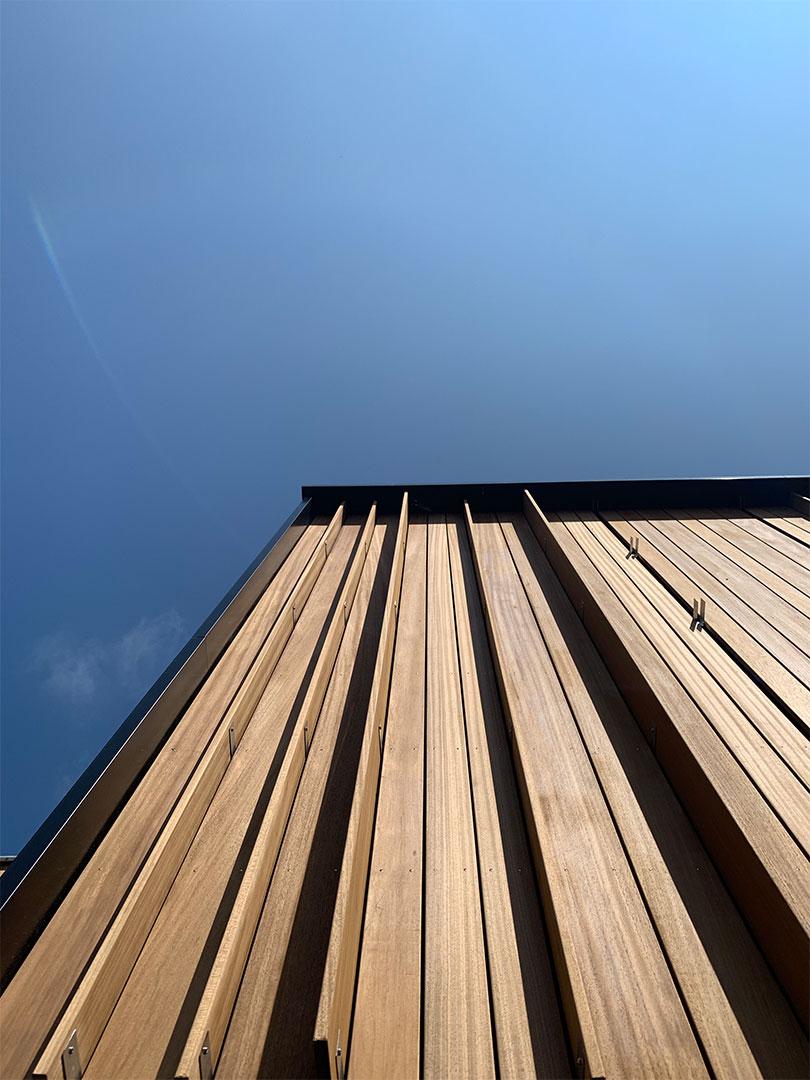 GROEP NEGEN   minimalistische schuurwoning in hout